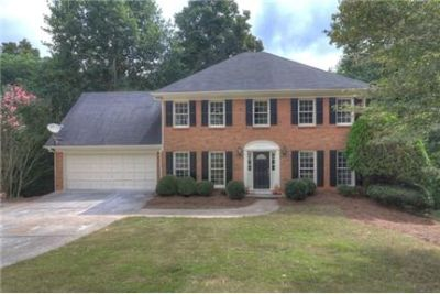 House for rent in lilburn. Parking Available!
