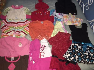 Toddler girls 3/4/5T lot of clothes