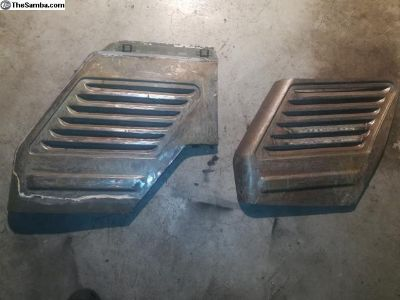 Passenger side air intake grill vent section