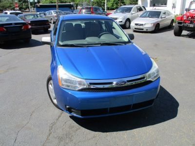 2010 Ford Focus S (Blue Flame Metallic)