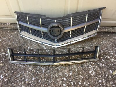 Cadillac SRX Front Grill For Models 2011--2015