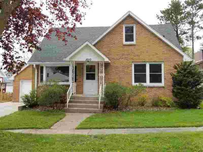 1010 E Walnut St Horicon Three BR, Beautiful Brick home on dead