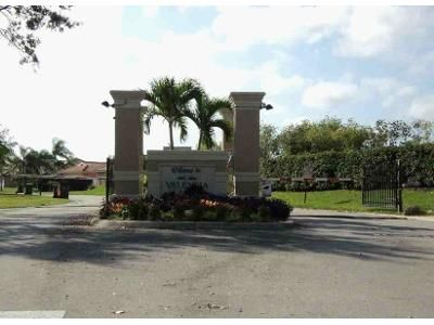 3 Bed 2 Bath Foreclosure Property in Naples, FL 34120 - Inlet Cove Ln E