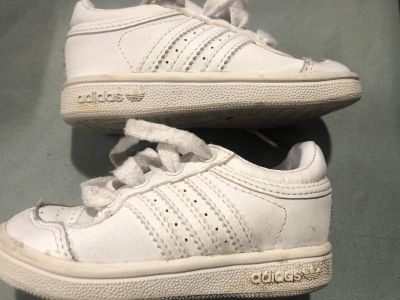 Adidas White Baby Shoes Size 5 $9