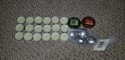 Assorted tea lights, tarts and floating candles