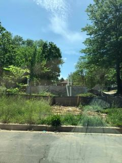 Vacant land in DC. Great plot to build a house