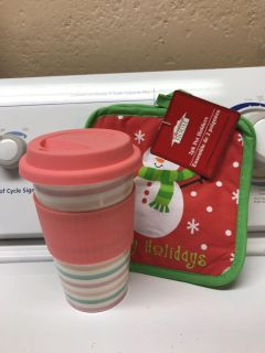 New! Glass cup with2 pk pot holders!