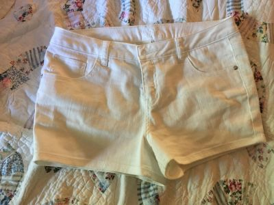 Justice white jeans shorts size 16 1/2