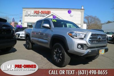 2016 Toyota Tacoma 4WD Double Cab V6 AT TRD Off R (Silver Sky Metallic)