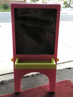 Little tikes paint and chalk easel