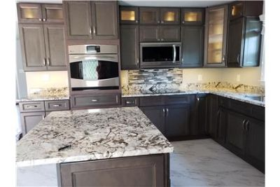 Gorgeous Custom Kitchen, 3 Bedrooms, 2 Designer Ba