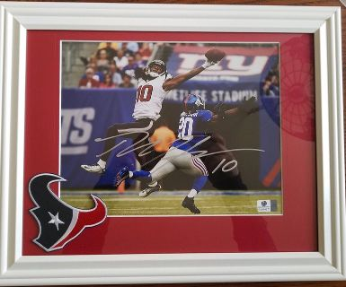 DeAndre Hopkins Autographed 8x10 - Matted and Framed - with COA