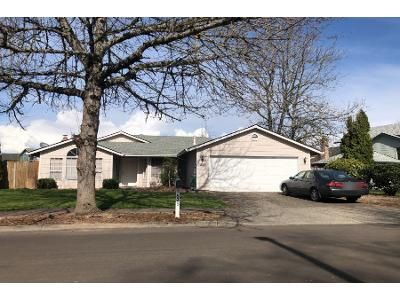 3 Bed 2 Bath Preforeclosure Property in Troutdale, OR 97060 - SE 33rd St