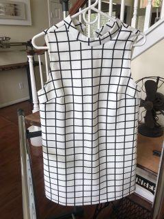 Dress Cream & Black Size Small ( 4-6 )
