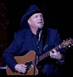 (2) Garth Tickets for this Friday 12/15 FRONT ROW UPPER DECK