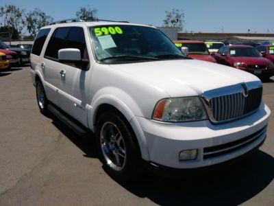 2005 Lincoln Navigator Luxury (White)