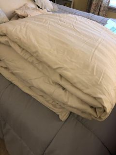 Queen down alternative comforter with duvet cover