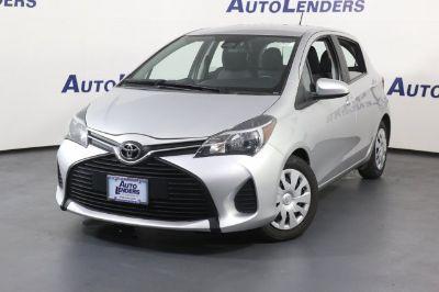 2017 Toyota Yaris 5-Door L (silver)