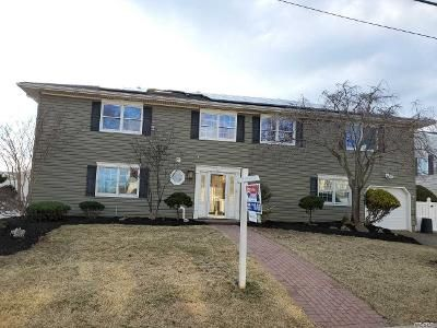 4 Bed 3 Bath Foreclosure Property in Babylon, NY 11702 - Midway St