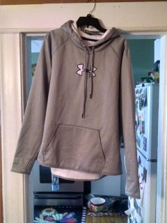Under Armour cold gear fleece lined hoodie... Longer and not banded at bottom... Size XXL... Like new!!!! Thumb holes.... Loose fit