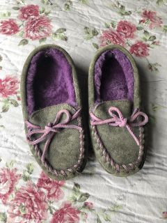 LL bean slippers size 10