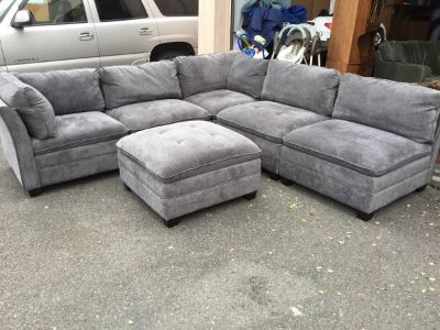 Beautiful Six Piece Modular Sectional Couch - Delivery And Financing*