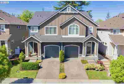 15853 SE Swift CT Happy Valley, Fabulous Turn-Key Three BR