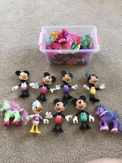 Lot of Minnie Mouse dolls
