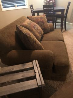 Couch & loveseat/GREAT CONDITION
