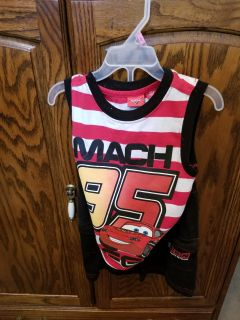 Cars short outfit. Size 3t. Used, good condition.