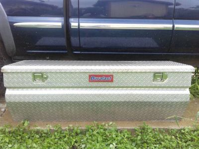 TOOL BOX DIMOND PLATED LOW PROFILE.