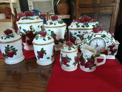 Beautiful Apple canister set