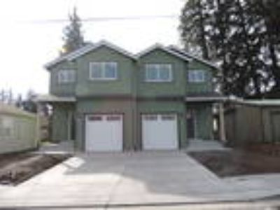 Three BR Duplex for Rent in Hood River