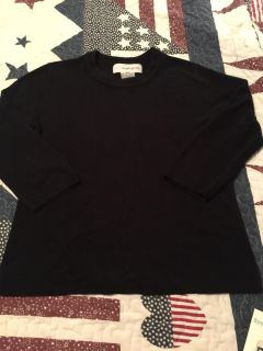 WOMENS SIZE MEDIUM BLACK SWEATER. Excellent condition Sag Harbor brand, 3/4 sleeves