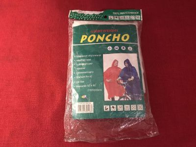 100% Waterproof Light Weight Poncho. White. New in Package