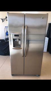 2008 GE Stainless steel Refrigerator