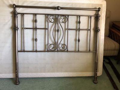 Full Size Head Board & Bed Frame. EUC