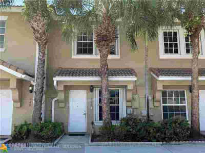 360 SW 122nd Ave 360 Pembroke Pines Two BR, Great townhome home
