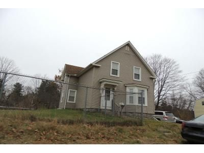 4 Bed 1 Bath Preforeclosure Property in Derry, NH 03038 - Brook St