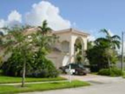 Reduced!!! Pembroke Isles 3/5 Corner Lot, P.Pines