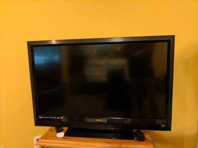 42 inch TV Vizio 1080p LCD 120hz