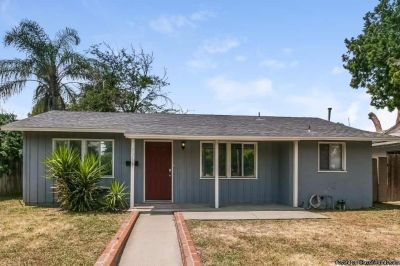 Beautiful home for rent at 7359 Louise Ave Van Nuys, CA 91406