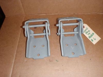 Sell 1968 1969 1970 1971 1972 GTO Chevelle Cutlass ElCamino Skylark upper door hinges motorcycle in Kirkland, Washington, United States, for US $55.00