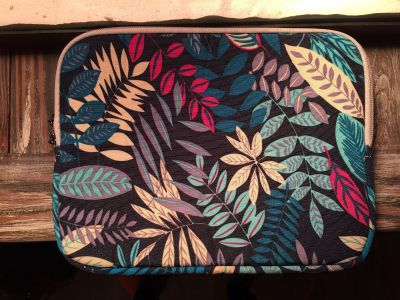 Small laptop/computee case