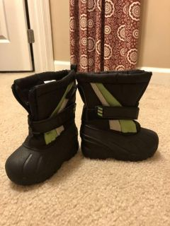 Baby size 5 snow boots