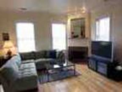 Furnished 1bdr Townhouse In Soho
