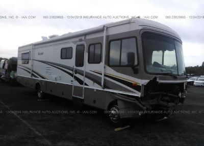 2004 WORKHORSE BOUNDER MOTOR HOME