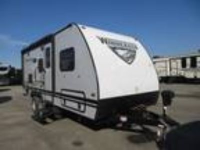 2019 Winnebago Micro Minnie 2108TB Slide Out/ Two Twin Beds/ Light Weight
