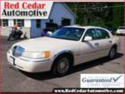 used 1998 Lincoln Town Car for sale.