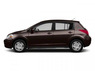2011 Nissan Versa 1.8 SL (Espresso Black Metallic)